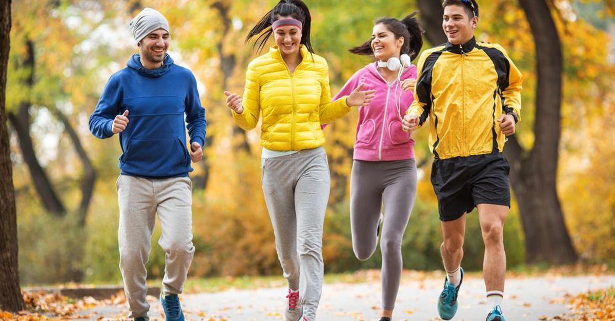 Cosa indossare per correre in autunno: il miglior abbigliamento tecnico per non scaldarsi troppo