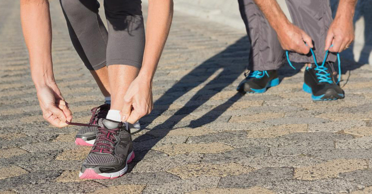 come allacciare le scarpe da running